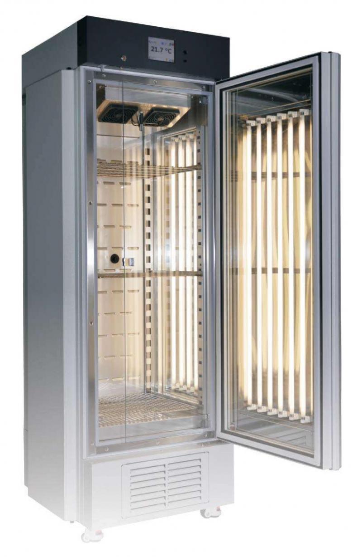 Câmaras climáticas com umidificador a vapor - Série KKS